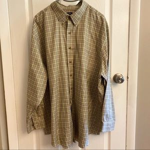 Brooks Brothers buttons down shirt